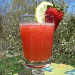 Strawberry Lemonade Cocktail  Recipe