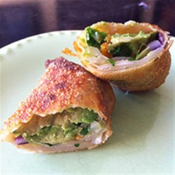 Avocado Wontons with Spicy Ranch Dip |