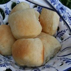 Buttery Dinner Pan Rolls