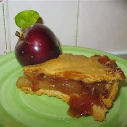 Aunt Bev's Famous Apple Pie Recipe