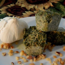 Roasted Garlic Walnut Pesto for Freezing Recipe