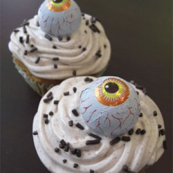 Eyeball cupcake using Pumpkin Spice Cake recipe
