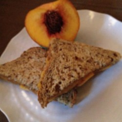 Summertime Almond Butter and Peach Sandwich Recipe