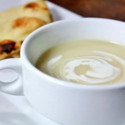 Easy Cauliflower Soup with Fresh Ginger