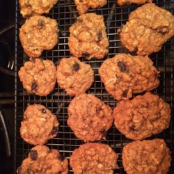 Chinese Five-Spice Oatmeal Raisin Cookies