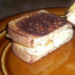 Apple Cinnamon Grilled Cheese Sandwich