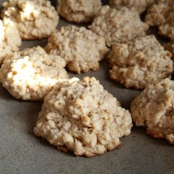 Mama's Chewy Oatmeal Cookies Recipe