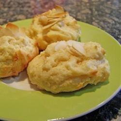 Irresistible almond cookies
