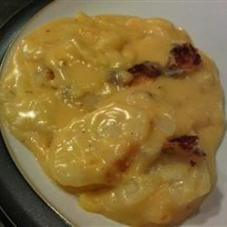 Creamy Au Gratin Potatoes (w/extra cheese added)