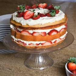 Carry Cake with Strawberries and Whipped Cream Recipe