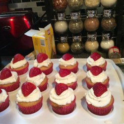 Honey Cupcakes with Strawberries Recipe