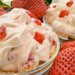 DanDan's Strawberry Cream Pie Recipe