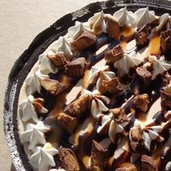 Smooth and Creamy Peanut Butter Pie Recipe