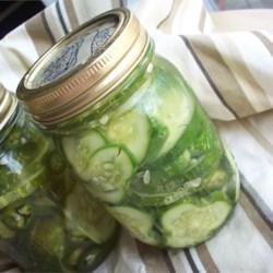 Homemade Refrigerator Pickles