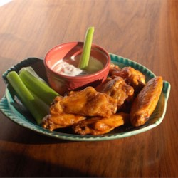 Quick and Easy Restaurant Style Buffalo Chicken Wings