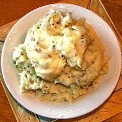 Photo of Garlic Mashed Potatoes by LORNASCHMALZ