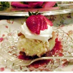 Photo of Strawberry Shortcut Cake by Maureen