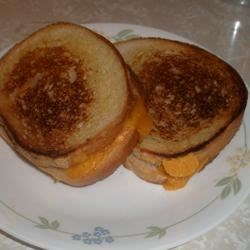 Cheesy Grilled Cheese