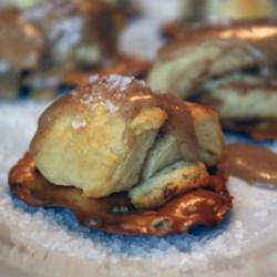 salted caramel pretzel roll bite printer friendly