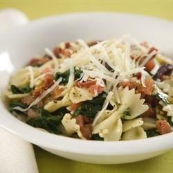Spinach Basil Pasta Salad