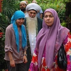 Sheik kabbani, daughter sajeda and wife hajjah, and ali