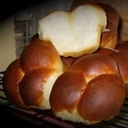 Photo of Grandma's Clover Leaf Rolls by brownie421