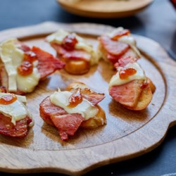 ham and brie crostini with fig jam printer friendly