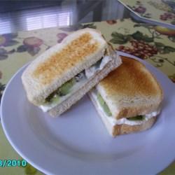 Creamy Kiwi Sandwich Recipe
