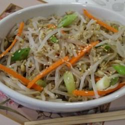 Sukju Namul (Mung Bean Sprout Salad)