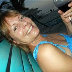 Merlot by the Beach in Grand Cayman