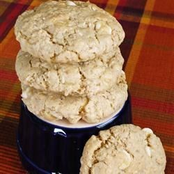 White Chocolate-Macadamia Nut Oatmeal Cookies Recipe