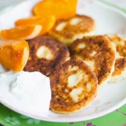 russian cheese pancakes syrniki printer friendly