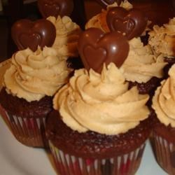Chocolate Cupcakes with Fluffy Peanut Butter Frosting