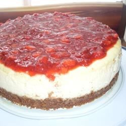 Basic Cheesecake with Strawberries