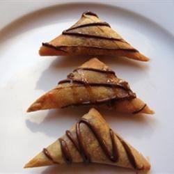 Turon (Caramelized Banana Triangles)