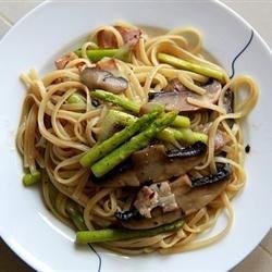 Linguine with Asparagus & Portabello Mushroom