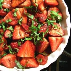 Sweet and Tart Strawberry Salad Recipe
