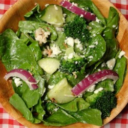 Spinach Ranch Salad Recipe