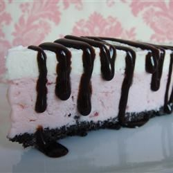 Ice Cream Sundae Pie |