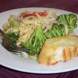 Linguine with Broccoli and Red Peppers