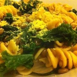 Vegan Lentil, Kale, and Red Onion Pasta Recipe