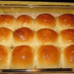 classic dinner rolls photos