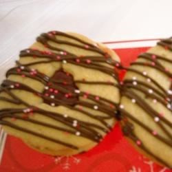 Easy Valentine Sandwich Cookies