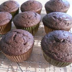 Sandy's Chocolate Cake (cupcakes)