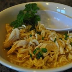 Slow Cooker Chicken Thai Ramen Noodles
