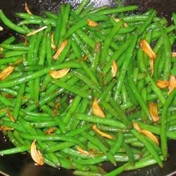 Garlicky Green Beans Recipe