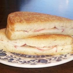 Grilled Cheese, Cinnamon, and Apple Sandwich Recipe