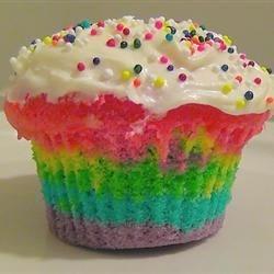 Photo of Rainbow Clown Cake by lovestohost