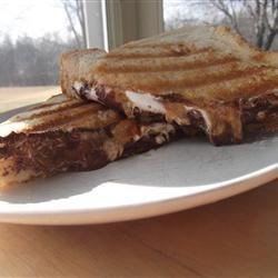 Peanut Butter Cup Grilled Sandwich Recipe