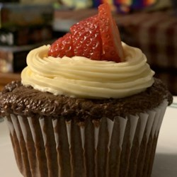 chocolate dipped strawberry cupcakes printer friendly